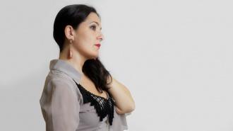 El cante flamenco de Alba Guerrero en su nuevo disco Seda y Esparto