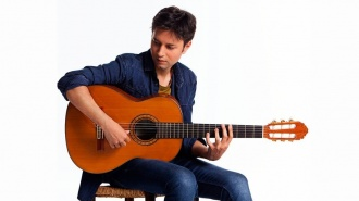 David Carmona estrena con gran éxito su nuevo videoclip
