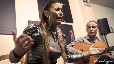 Elegancia y equilibrio en el cante flamenco de Isabel Guerrero