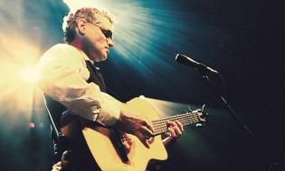 Jesse Cook estrena Beyond Borders como líder en listas world music de Apple