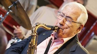 Fallece Pedro Iturralde, el músico que abrió caminos globales a Paco de Lucía