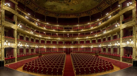 Artistas que dicen triunfar en Madrid, pero no