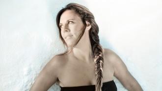 Virginia Gámez presenta Soñé con la colaboración de Mayte Martín